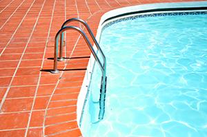 Einstieg in den Pool